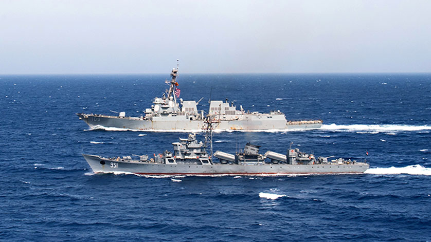 USS Jason Dunham and Egyptian Navy Conduct PASSEX