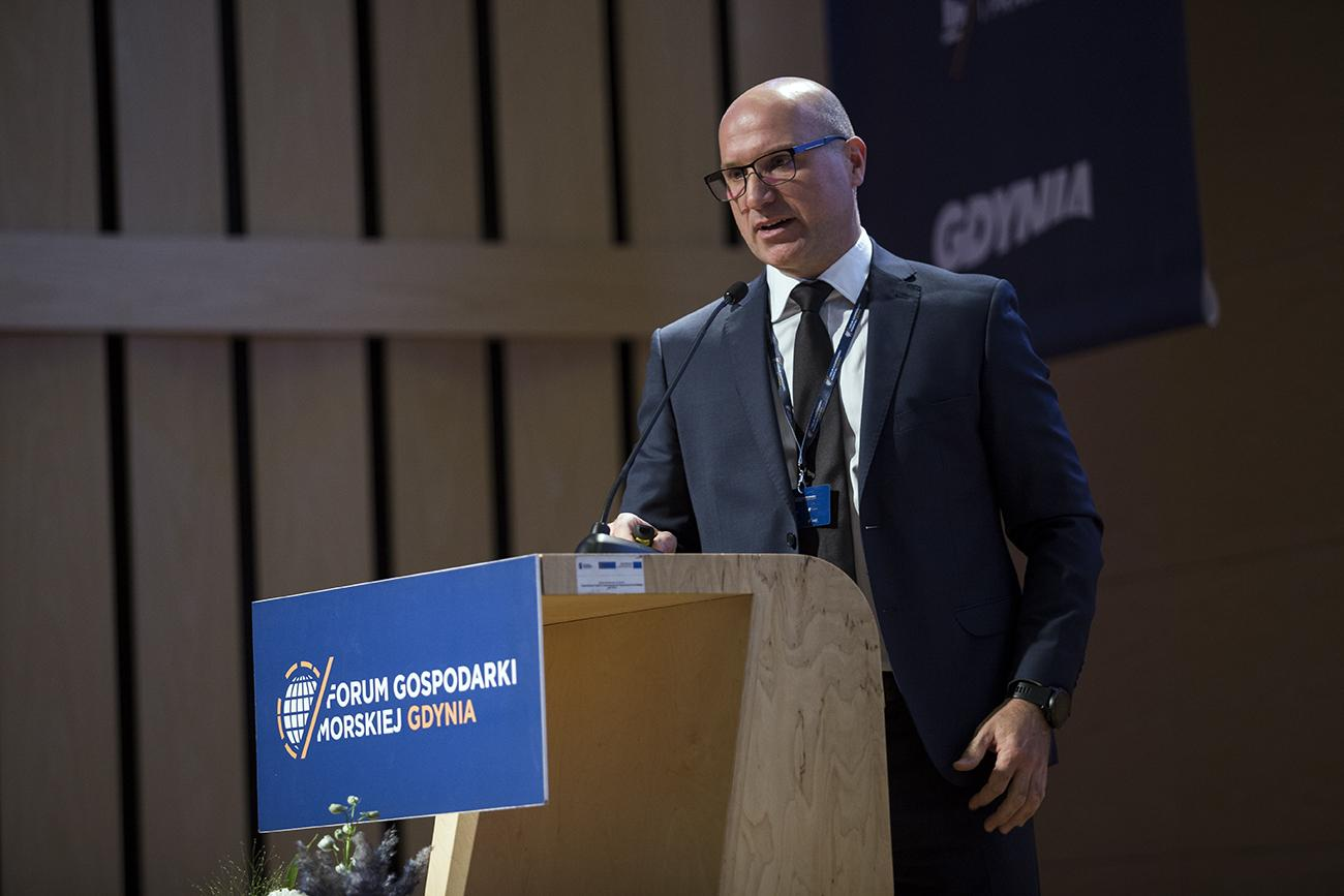 2 Radosław Pachecki Maritime Logistics Project Manager of PGE Baltica speaks at Maritime Forum Gdynia