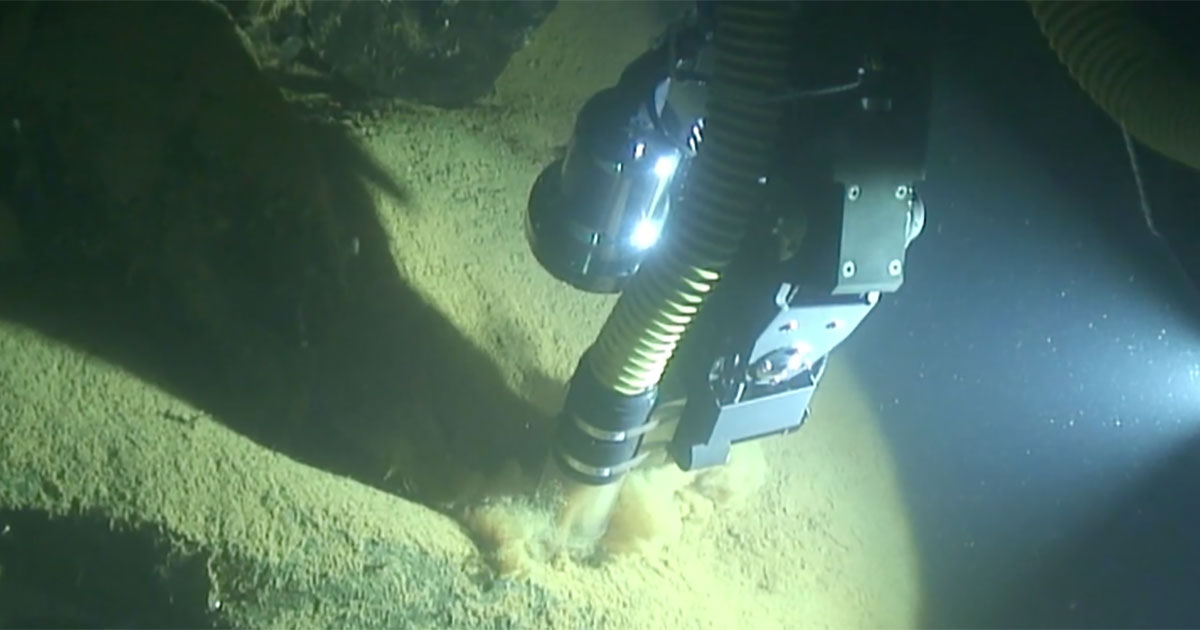 WHOI Underwater Robot Takes First Known Automated Sample from Ocean