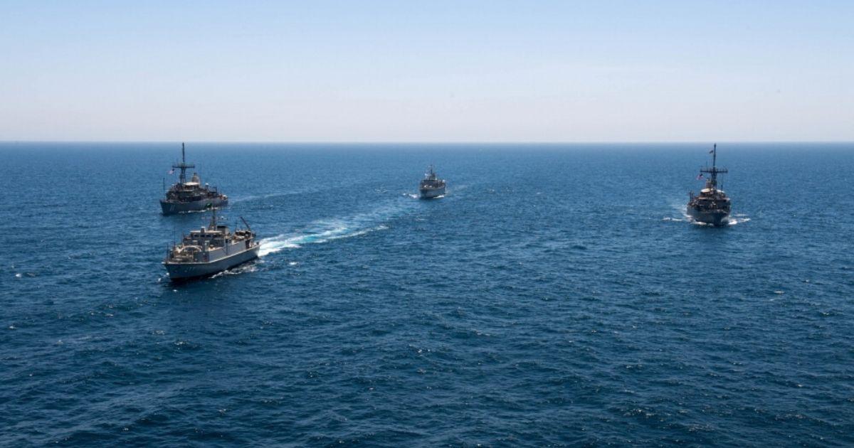 Saudi, UK, U.S. Navies Conduct Mine-Hunting Countermeasures Training