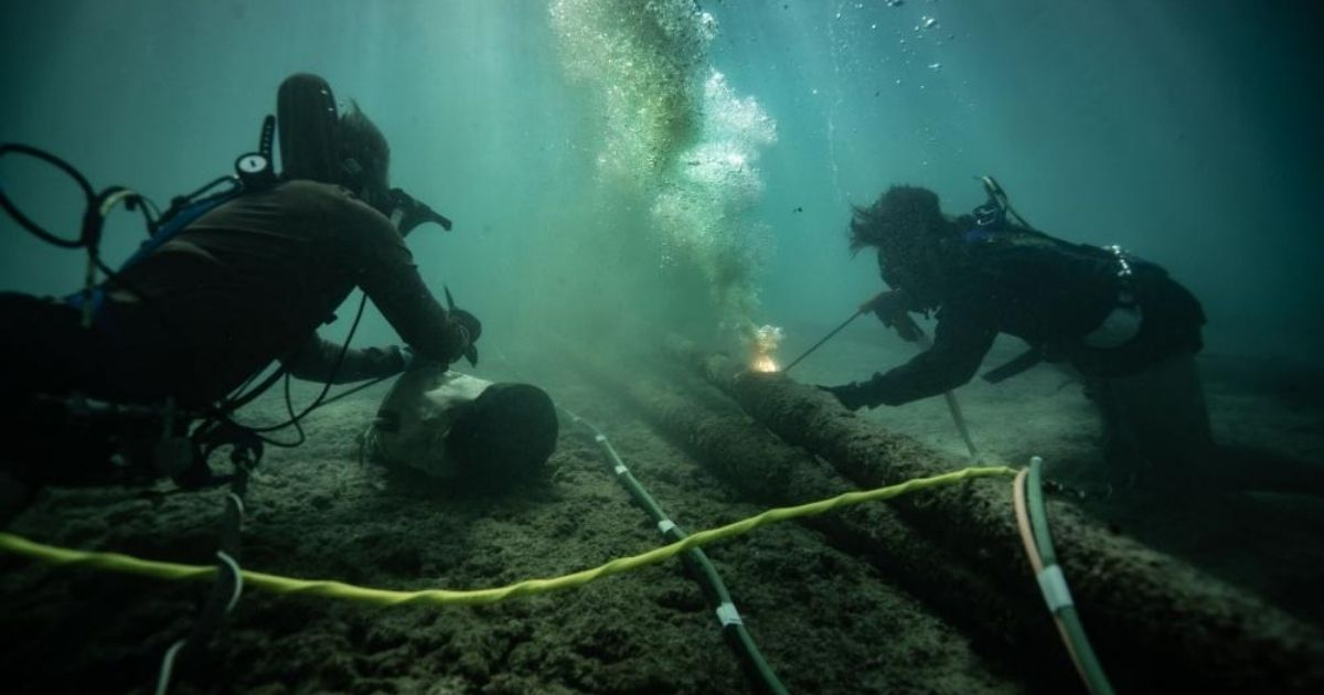 SCUBA Diving Operations to Remove Defunct FORACS Equipment Offshore Hawaii