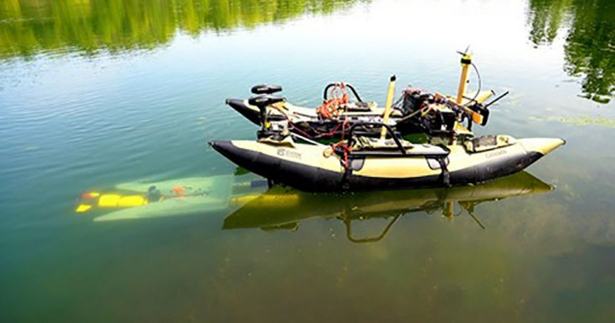 What if Underwater Robots Could Dock Mid-Mission to Recharge and Transfer Data?