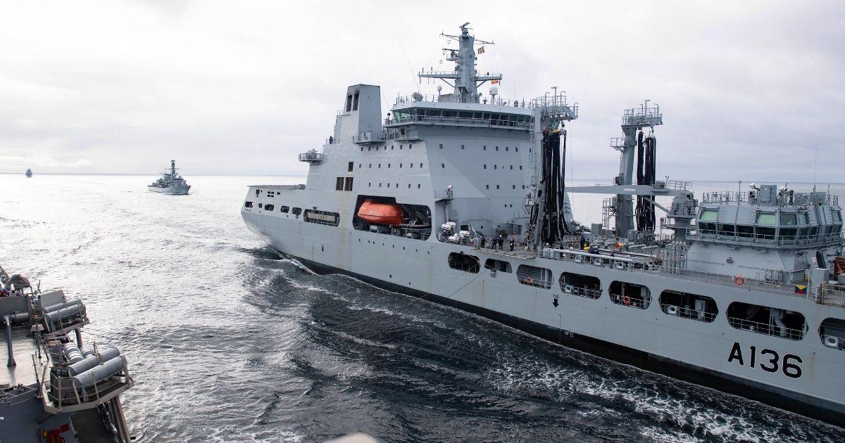 U.K. leads U.S. and Norwegian Ships to Train in the Barents Sea